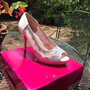 Ladies 9.5 Special Occasion Peep Toe Heels!
